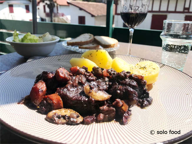 boeuf bourguigon - solo food