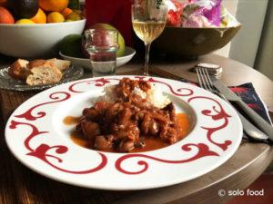 petites seiches aux oignon et au vin - solo food