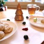 Sablés grecs de Noël et de Nouvel An aux amandes torréfiées et aux épices (kourabiedes)