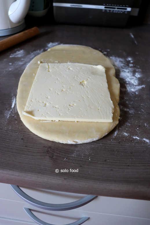 pâte danoise - tour 1 - la plaque de beurre