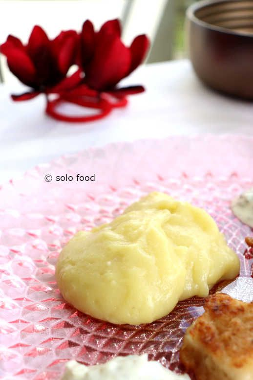 Potato Puree with garlic (skordalia)