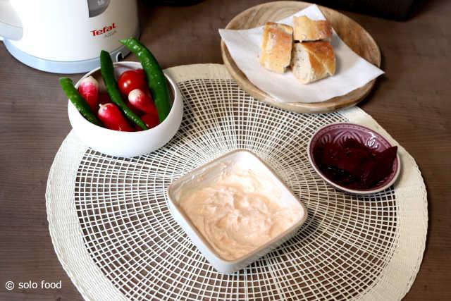 sauce au fromage blanc de brebis, ail et paprika